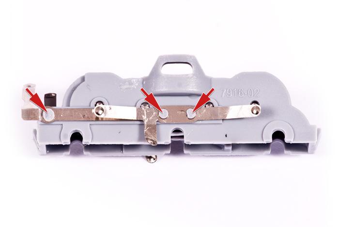 Befestigungsnippel der Schleifer am Drehgestell
