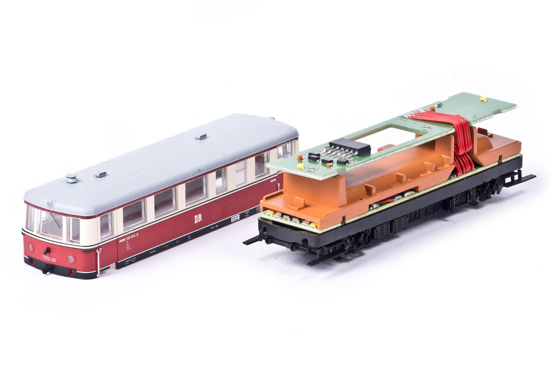 Geöffneter Triebwagen BR186