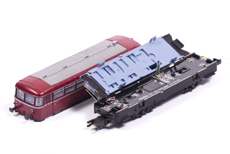 Piko VT98 Beiwagen zerlegt